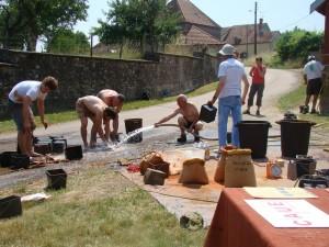 Travaux rénovation lavoir Ménetreux commune de Millery : opération lavage